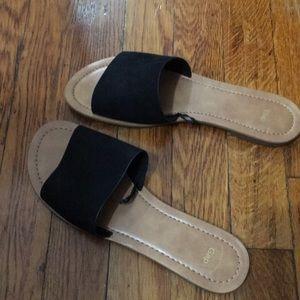 Gap black women's sandals size 7